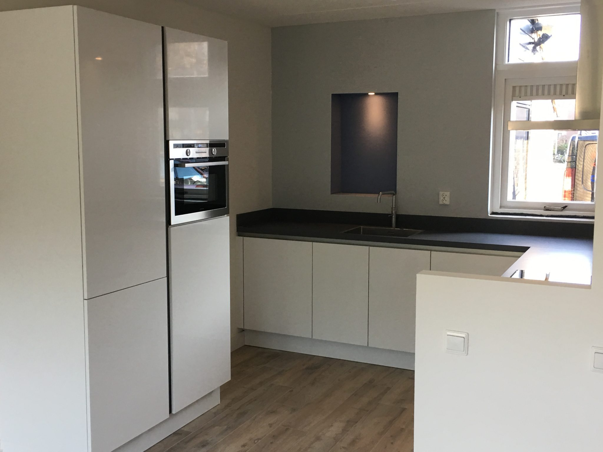 Transparant keukenmontage – Maasdijk